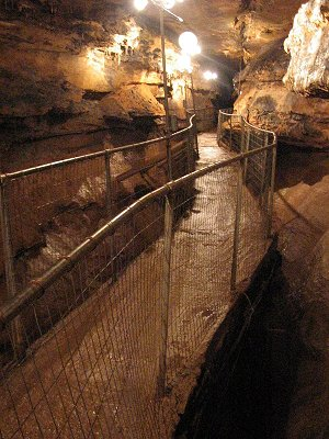 Search the mystery of the mystic caverns in branson for Hidden falls cabins branson mo