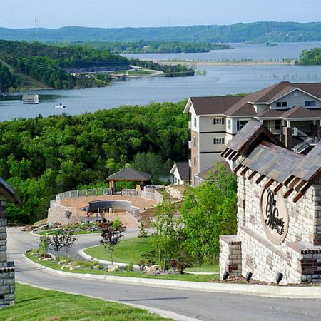 Discover the scenic branson lakefront condo for Branson condos and cabins for rent