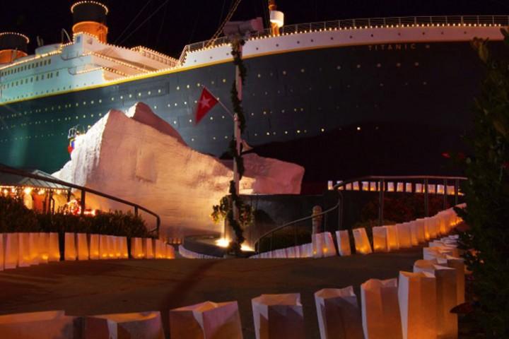 Christmas At The Branson Titanic Museum Thousandhills Com